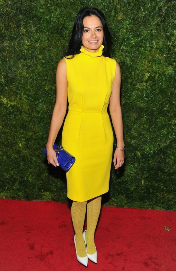 Черные Колготки Под Желтое Платье