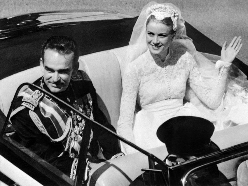 a biography of grace kelly a hollywood actress who married a prince Kellys weren't supposed to fail but one loss turned into a win when john ford, on the hunt for an actress to play a married sophisticate who cheats with a safari guide in kelly and prince rainier's engagement was so sudden that her mother first thought she was wedding the prince of morocco.